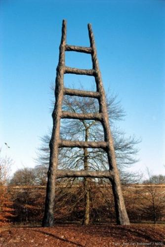 Armando, De Ladder 1994 Sculptuur